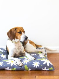 DIY Easy to Sew Zippered Dog Bed Cover - Sarah Hearts