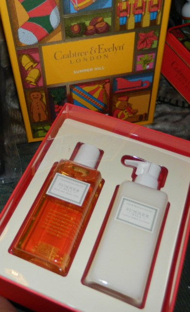 Crabtree & Evelyn Summer Hill Duo Christmas Box Gift Set