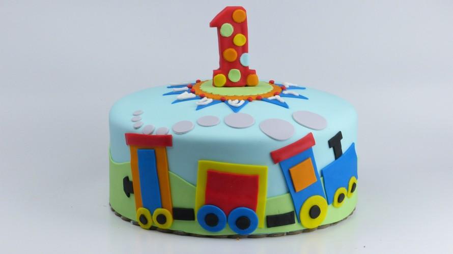 Train theme birthday cake