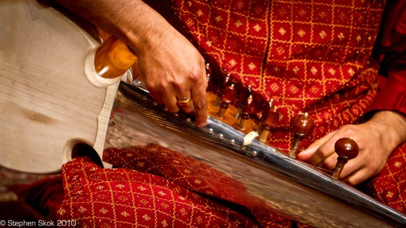 Tuning the tarab strings on the sarod