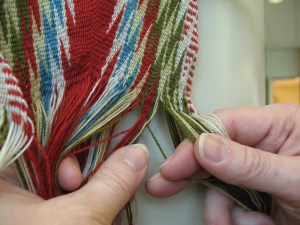 Red and green threads trade places