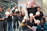 Crew-Beschäftigte der Lufthansa Frankfurt solidarisieren sich mit den KollegInnen von Piepenbrock