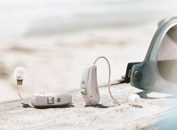 Ace-primax_hearing-aids-beach_950x700px