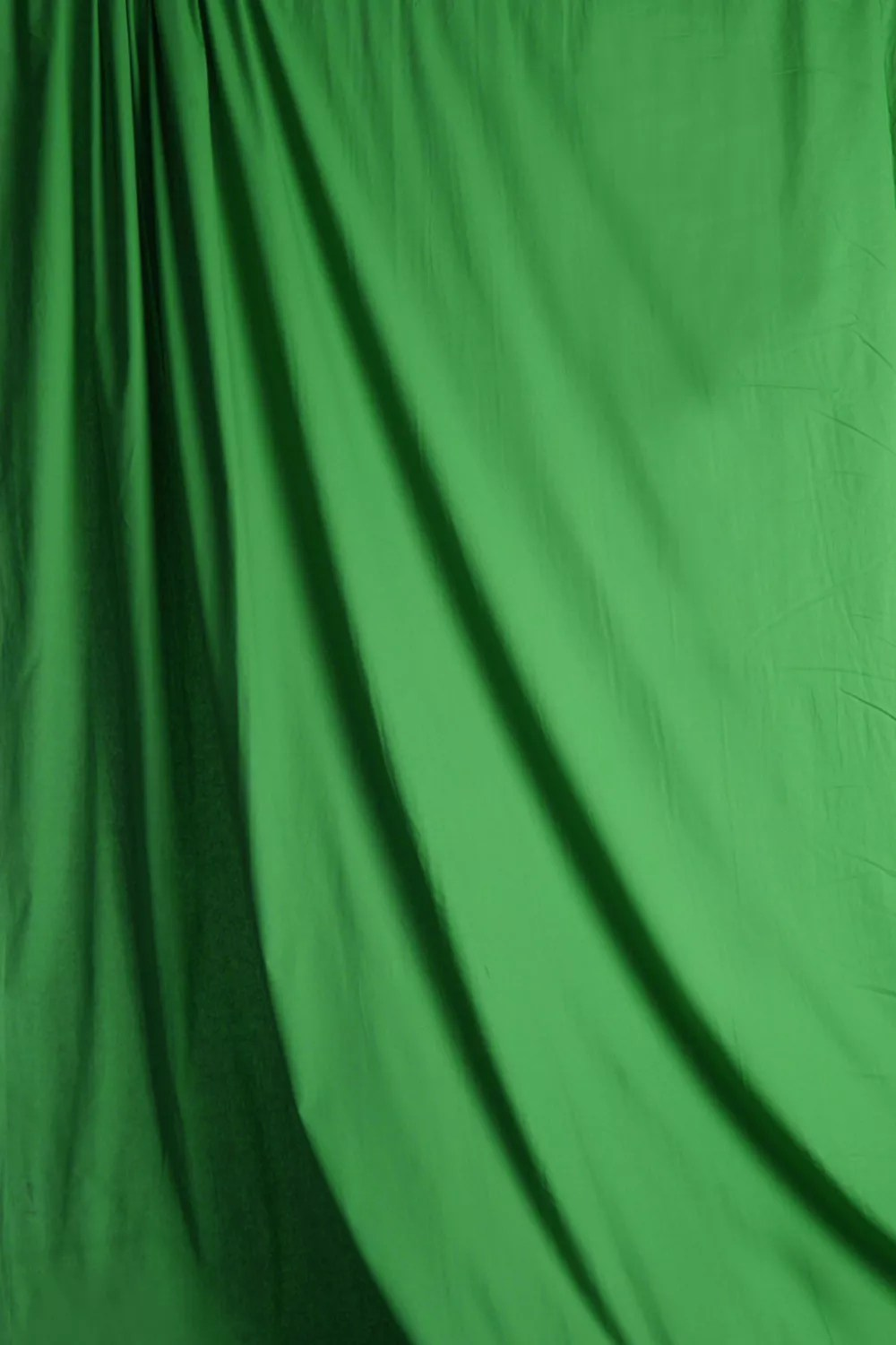 Professional Lighting Kit For Video Chroma Green Pro Cloth Backdrop | Savage Universal