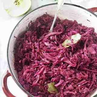 Red Cabbage with Apples (Rotkohl mit Apfein)