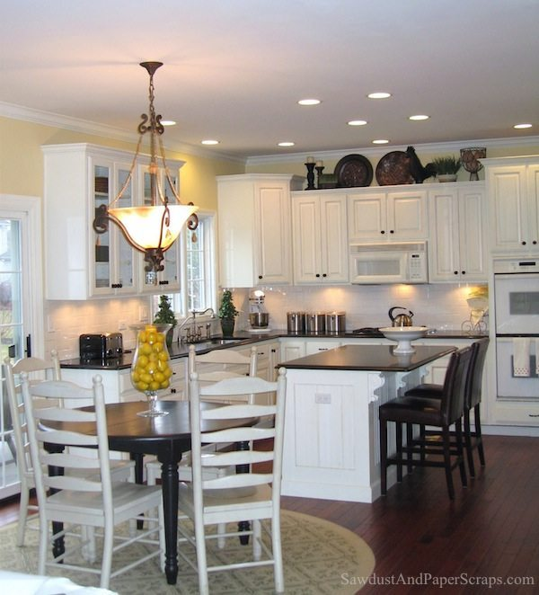 White Kitchen Cabinets With Black Counte: Kitchen With White Cabinets And Black Granite Countertops