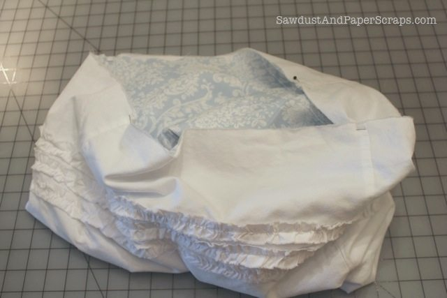 Ruffled grocery bag tutorial 15