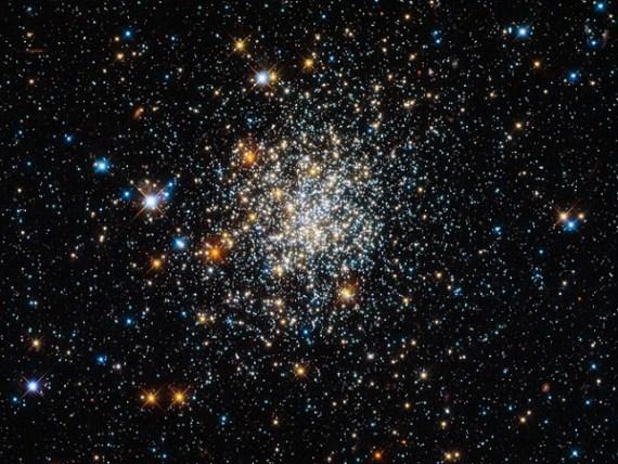 Appearances can be deceptive (Credit: ESA/Hubble & NASA)