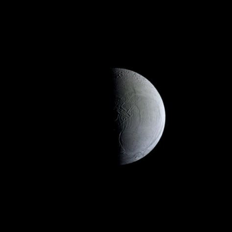 View of the trailing face of Enceladus (Credit: NASA/JPL-Caltech/Space Science Institute)