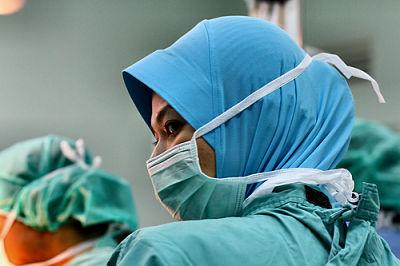 Medical nurse (Credit: phalinn/flickr)