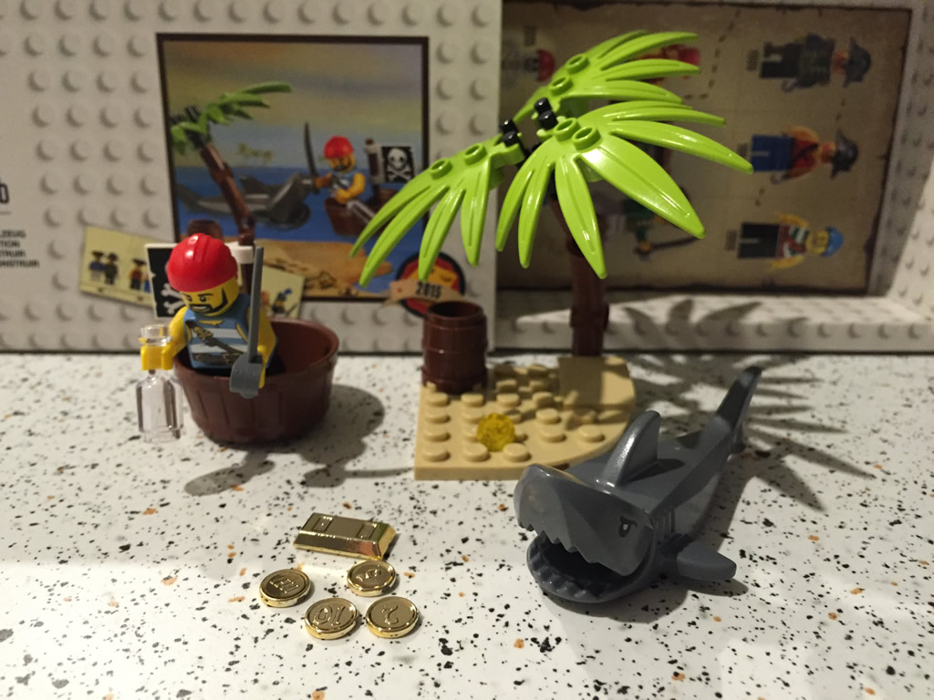 Lego Shops Adelaide Review Lego 5003082 Classic Pirate Minifigure Southern