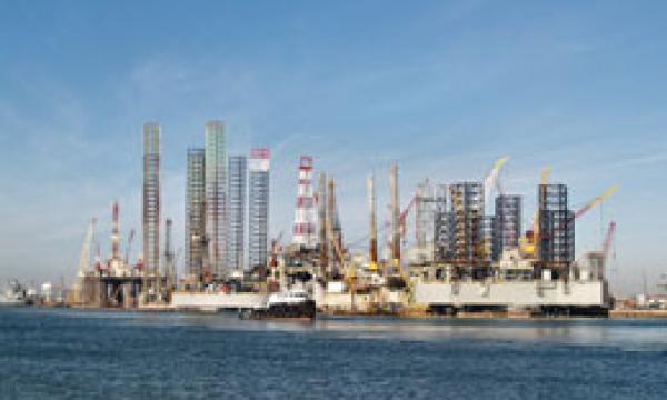 Keppel units award long-term offshore services contracts to Mencast
