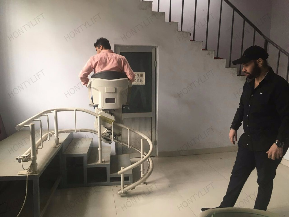 1 6m Hydraulic Stair Climbing Wheelchair Stairlift For