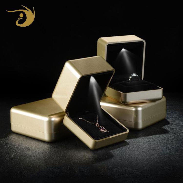 Diamond Good Choice New Design Fancy Led Light Packaging Premium