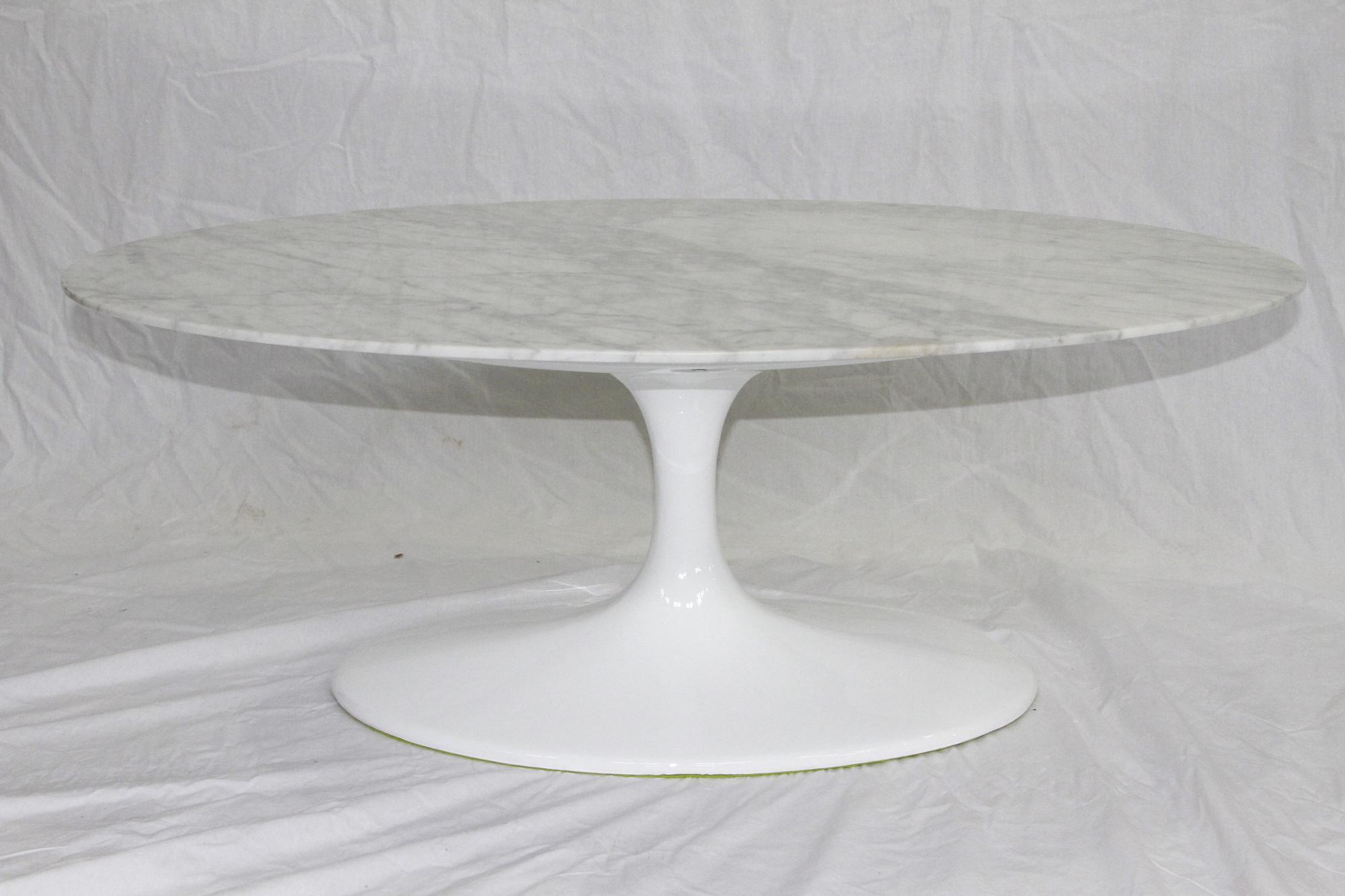Saarinen Tafel Ovaal : Eettafel ovaal marmer knoll saarinen dining table eero saarinen