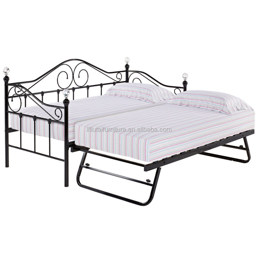 How Big Is A Queen Size Bed Uk 100 Round Bed Frames Amazon Com Queen Size Leather Round Bed With