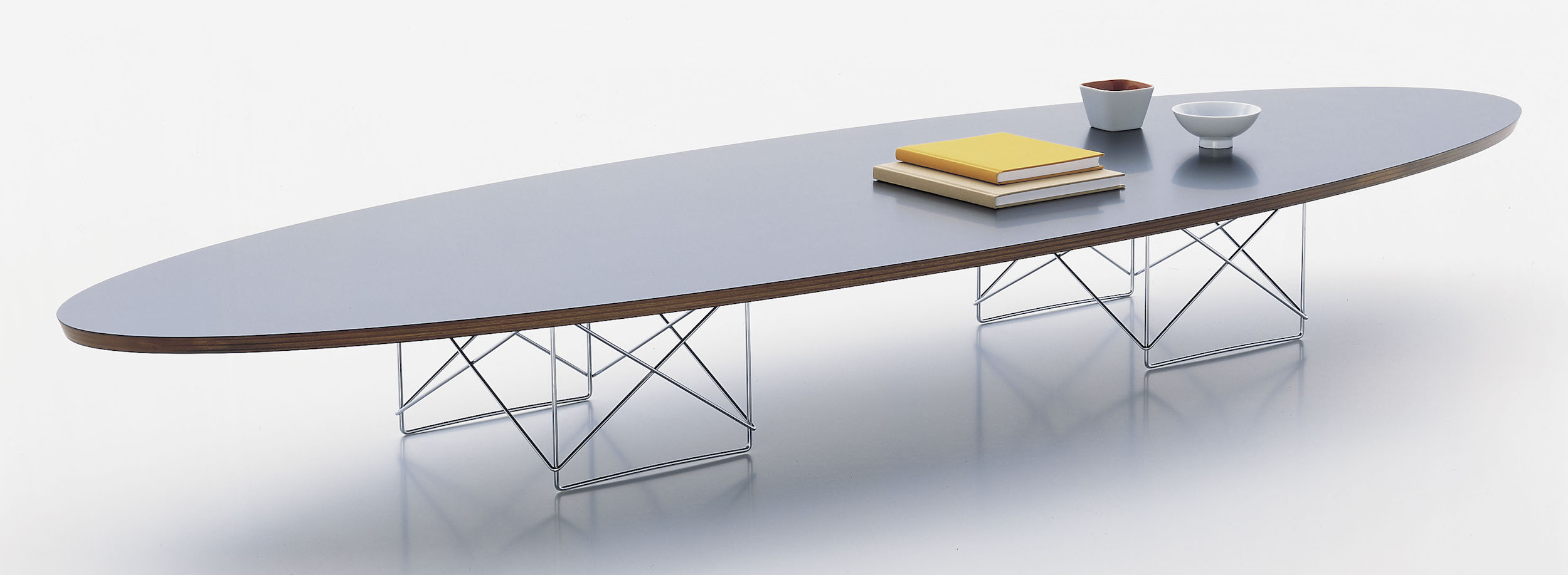 Vitra Table Basse Elliptique Etr Design Charles Et Ray