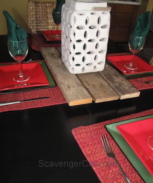 Easy Pallet Wood Centerpiece DIY