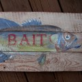 Pallet Wood Fish Bait Sign diy