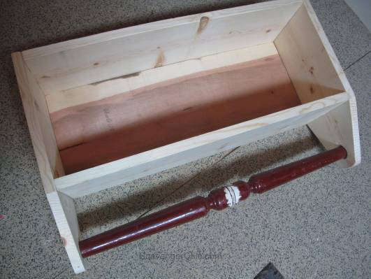 Spindle and Vintage beadboard bathroom Shelf-004