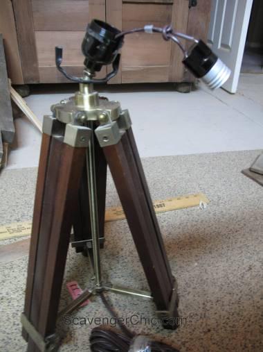 Tripod Spotlight Lamp diy