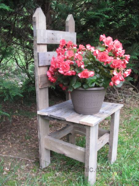 Pallet Wood Chair and Plant Stand