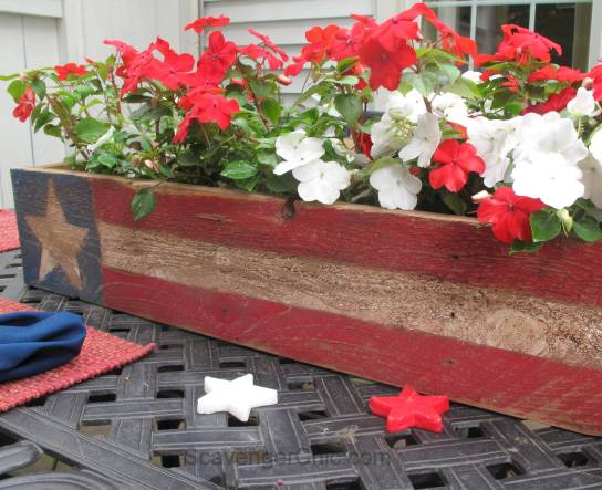 Pallet Wood 4th of July, Memorial Day centerpiece-004