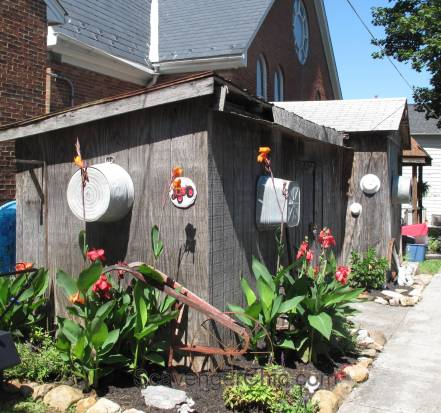 Route 11 Yard Crawl 2016 washtub shed and plow