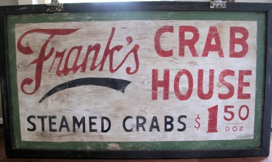 vintage-style-crab-house-sign-015