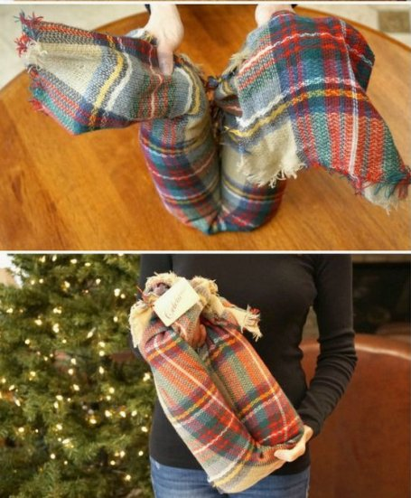Homemade and DIY Gifts - Scarf Wine Carrier