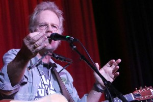 Bob Livingston to play Harmony House concert