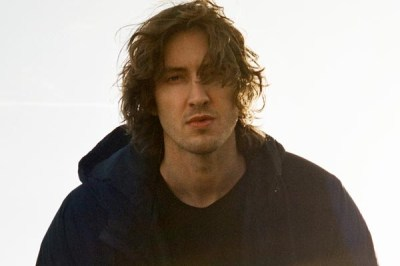 First Watch: Dean Lewis Releases Video For 'Be Alright'
