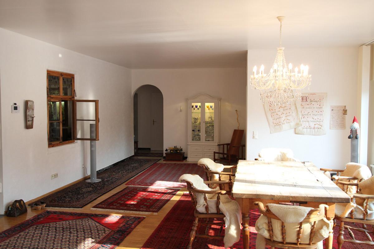 weisse k che mit arbeitsplatte welcher boden white and grey kitchen designs brown laminate. Black Bedroom Furniture Sets. Home Design Ideas