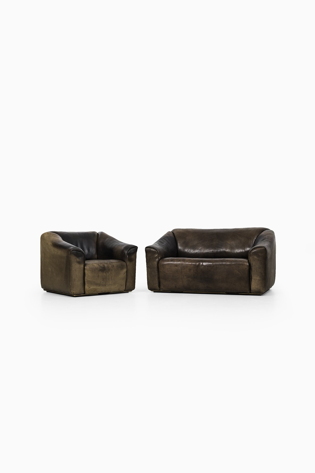 de sede ds 47 sofa and easy chair in thick bullhide at studio schalling. Black Bedroom Furniture Sets. Home Design Ideas