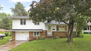 New Listing – 3805 46th Avenue N in Robbinsdale