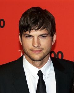 614px-Ashton_Kutcher_by_David_Shankbone
