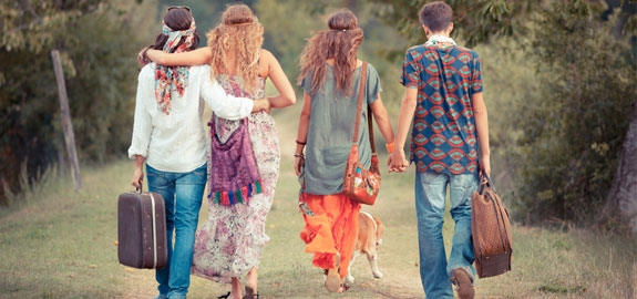 hippies-pano_22980