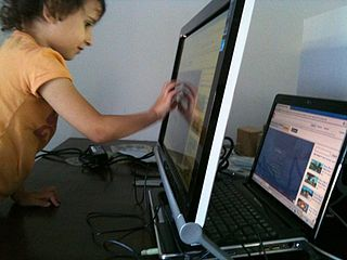 Lower test scores for toddlers who play non-educational games on touch screens