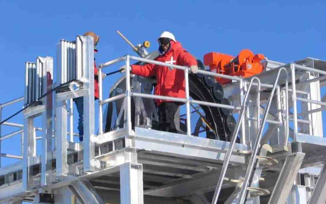 South Pole shows early success at neutrino hunting