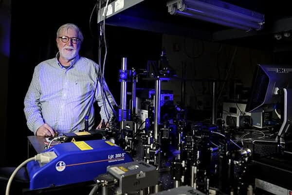 Research sheds new light on proton behavior
