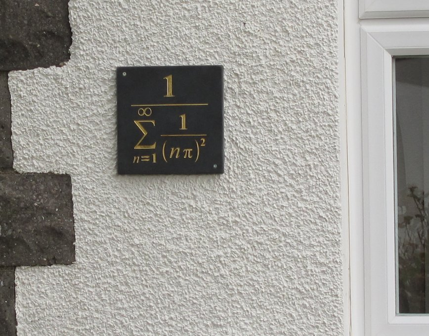 i-c29e3c87d4aff7c4c67aa75859b7ad1a-We_moved_into_a_new_house_by_TheLastDanishPastry.jpg