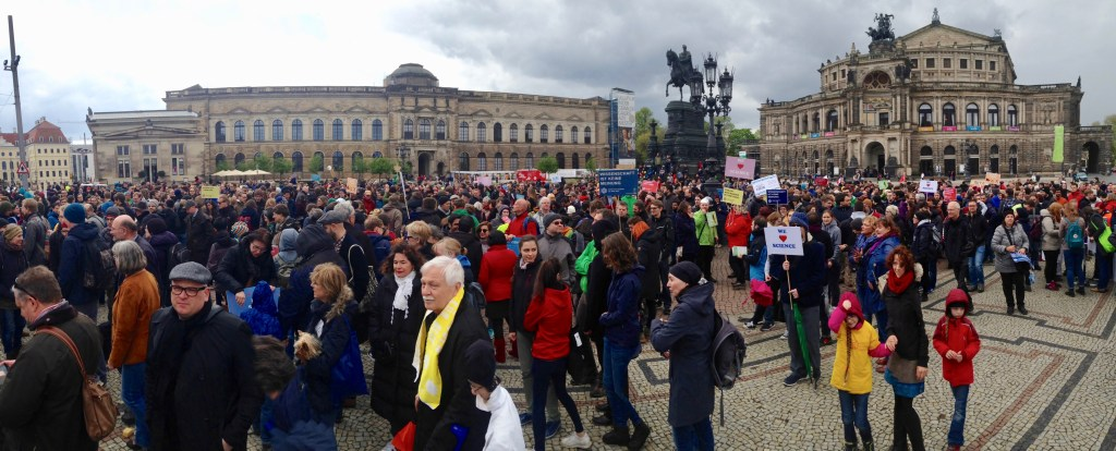 March for Science Dresden , Theaterplatz