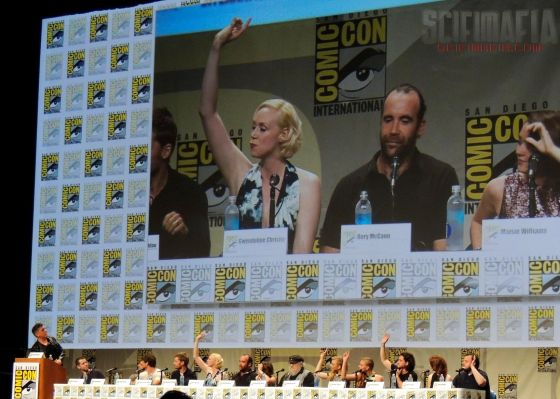 Game of Thrones SDCC 2014 01 cast hands