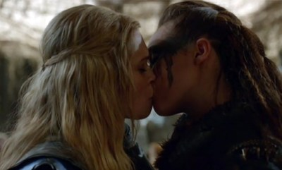 The 100 Clarke Lexa kiss