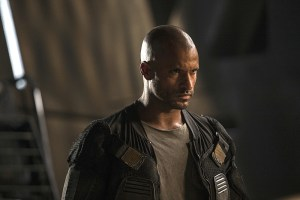 "The 100 -- ""Watch The Thrones"" -- Image HU304b_0122 -- Pictured: Ricky Whittle as Lincoln -- Credit: Cate Cameron/The CW -- © 2016 The CW Network, LLC. All Rights Reserved"