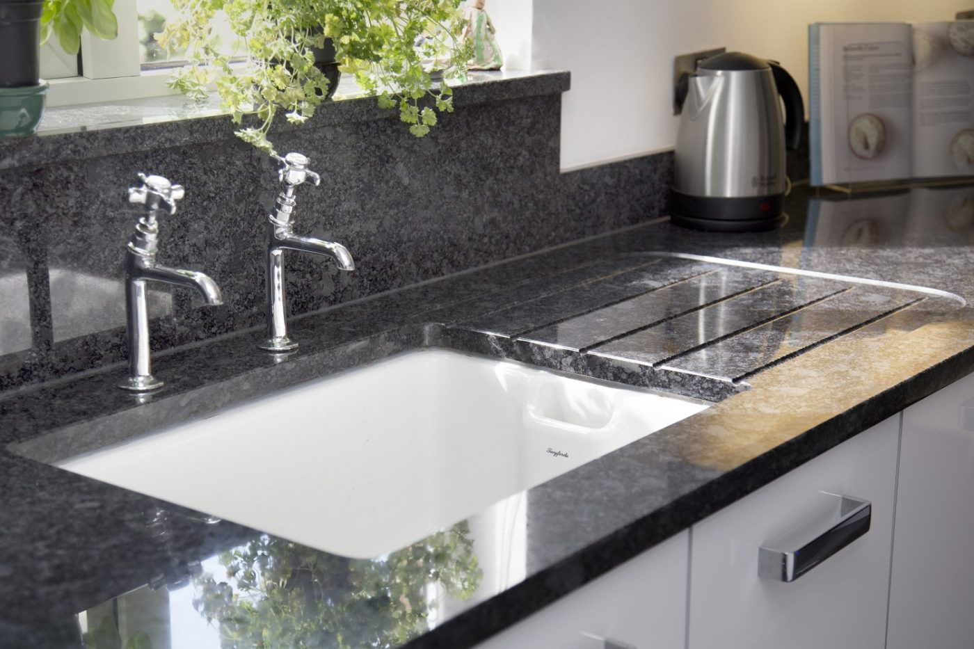 Arbeitsplatte Küche Alternative Zu Granit Devon Kitchen Worktop Projects In Granite And Caesarstone