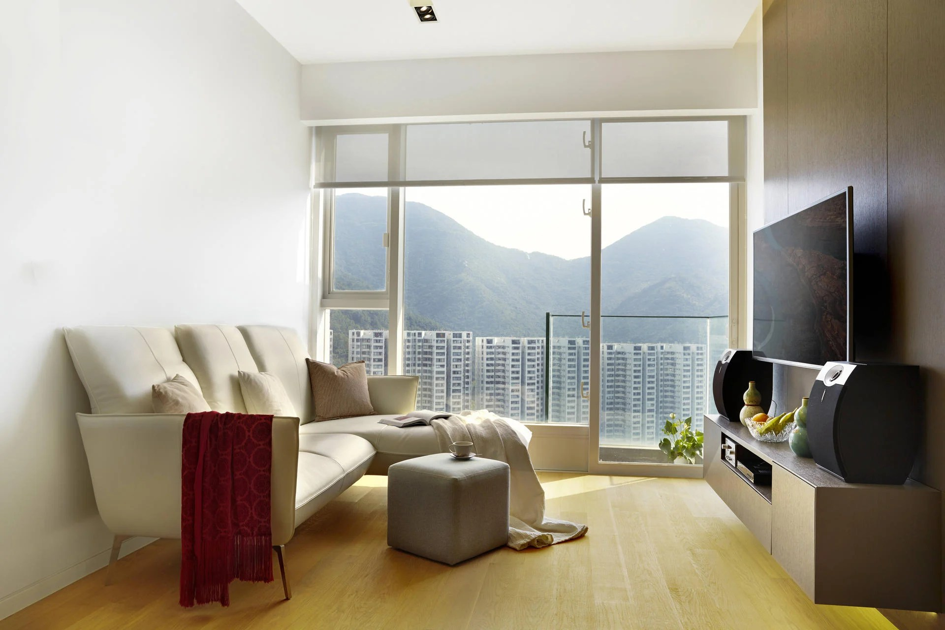 Mini Sofa Hong Kong Minimalist Chic A Hong Kong Apartment Shows How It S Done South