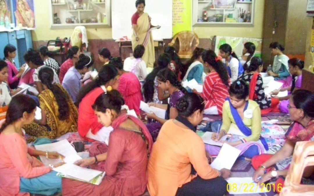 Women complete course in communicative English at Nazareth Mahila Samiti, Delhi