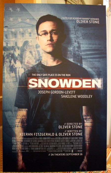 snowden-movie-poster-use