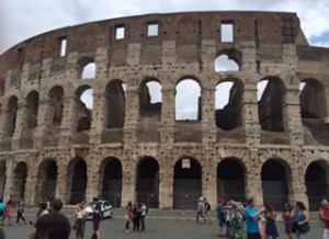 Rome_colosseum_cropped_1